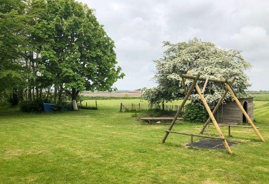 vakantiehuis Texel schommel boot sportveld uitzicht groepshuis Kamphuis hoeve elba christelijk vakantiehuis kerk kamp schoolkamp wadden eiland-3